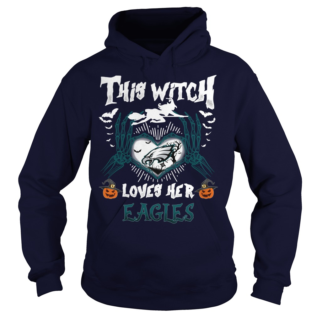 Philadelphia Eagles This Witch Loves Her Eagles Halloween hoodie